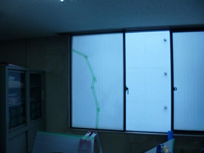 ガラス割れ替え工事 施工前