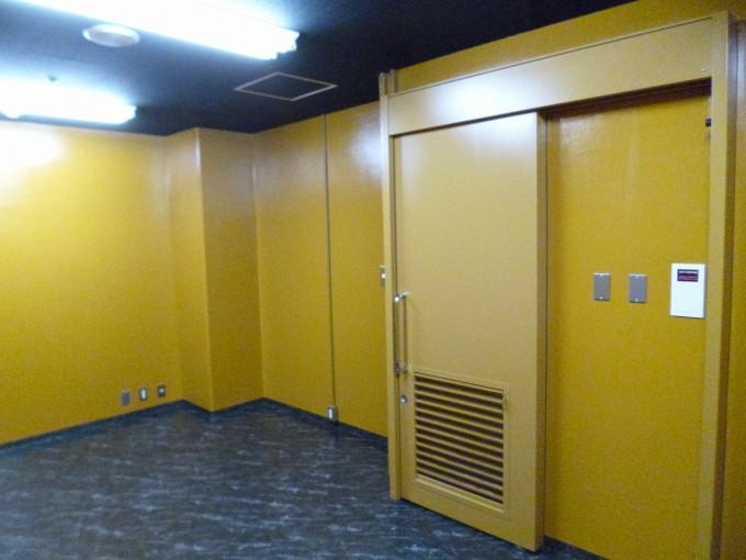 喫煙室新設工事 写真